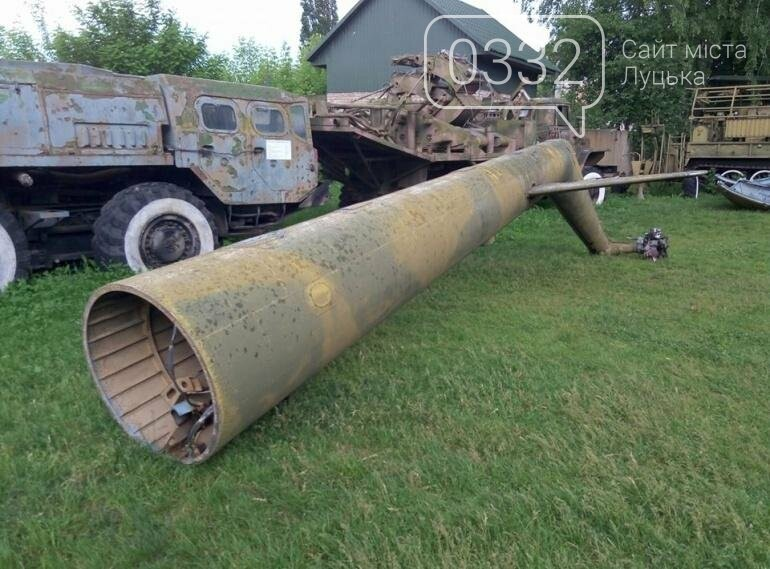 З луцького військового музею забрали на відновлення вертоліт та ракету (ФОТО), фото-13