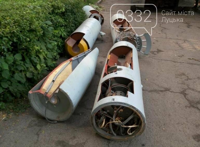 З луцького військового музею забрали на відновлення вертоліт та ракету (ФОТО), фото-3
