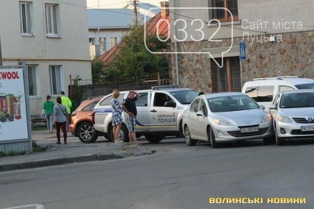ДТП  біля «Променя»: Toyota і Peugeot не поділили дорогу, фото-2