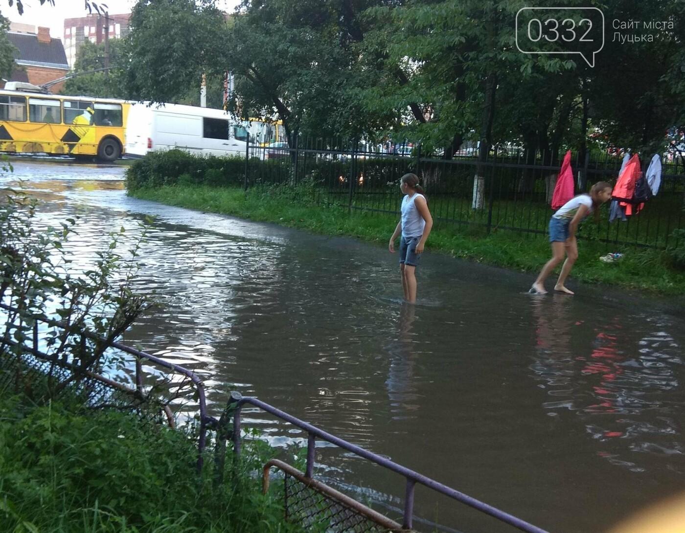 У Луцьку затопило 40-ий квартал (ФОТО), фото-7