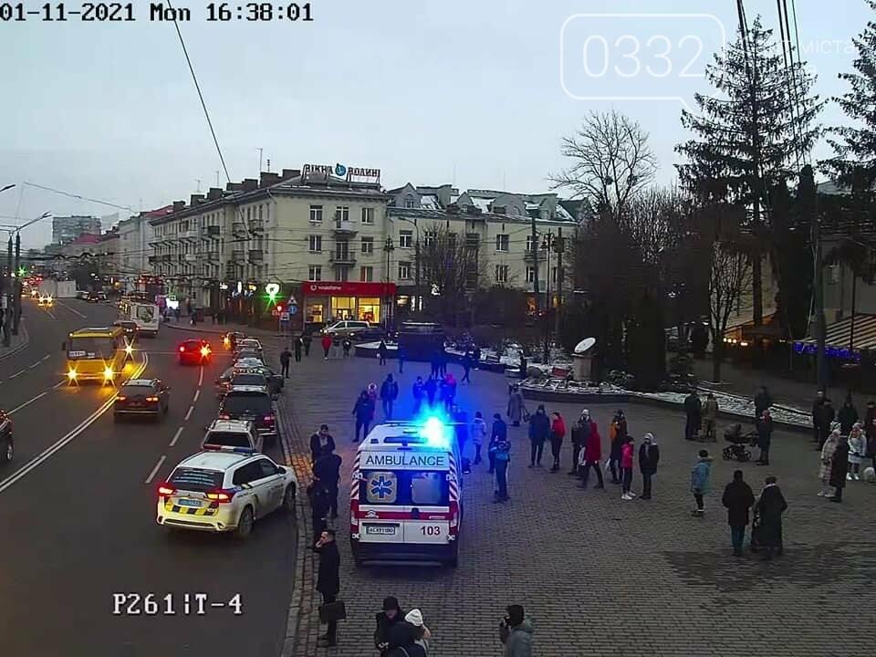 У центрі Луцька побились таксисти (фото, відео), фото-1
