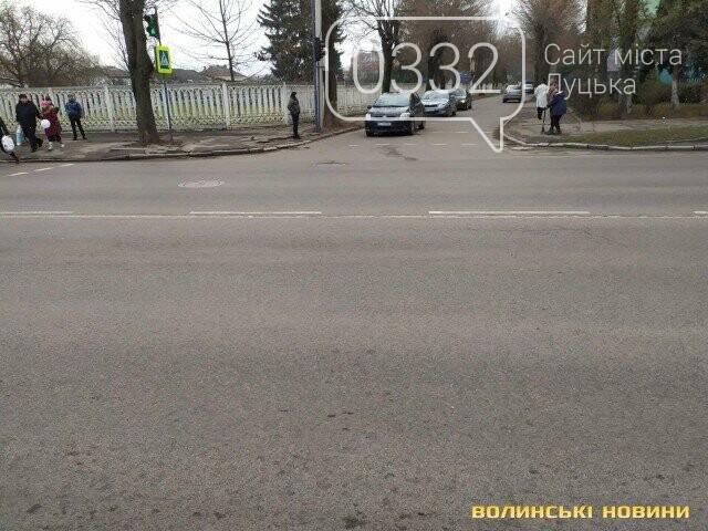 Поліцейська з Луцька їздить на авто, на якому збила мотоцикліста, поки триває розслідування , фото-2