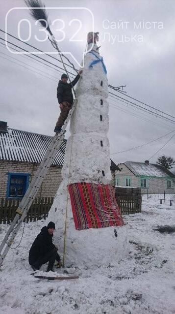 На Волині зліпили семиметрового сніговика, фото-2
