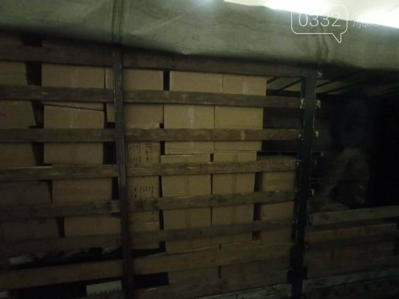 На «Ягодині» вилучили контрабанду: показали, що перевозили у вантажівці, фото-1