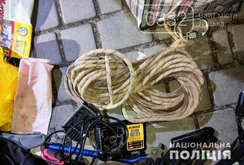 У Ратному троє чоловіків викрали обладнання на суму 5 000 000 гривень, фото-1
