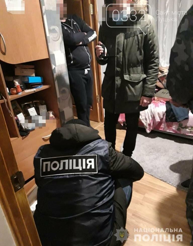 На Волині піде під суд сутенер, який зманював молодих селянок у повії. ФОТО, фото-1