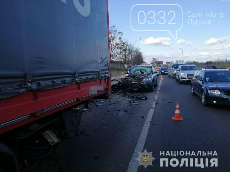 У Луцькому районі зіткнулися BMW і вантажівка (фото), фото-2