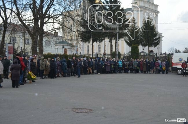 У Луцьку попрощалися із полеглим на Сході Героєм Сергієм Сулимою. ФОТО, фото-3
