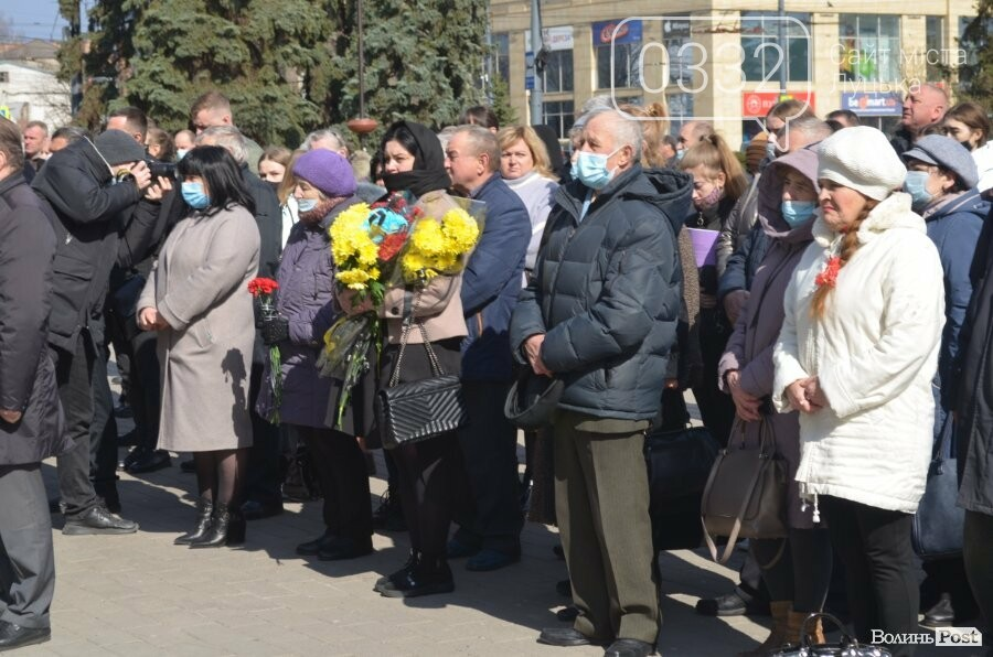 У Луцьку попрощалися із полеглим на Сході Героєм Сергієм Сулимою. ФОТО, фото-32