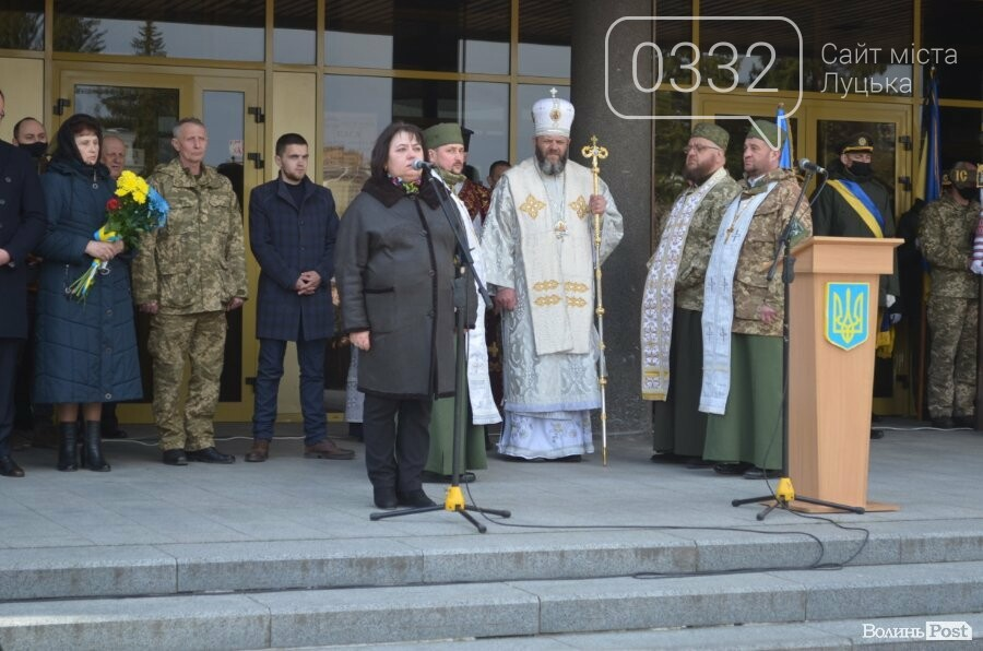 У Луцьку попрощалися із полеглим на Сході Героєм Сергієм Сулимою. ФОТО, фото-16