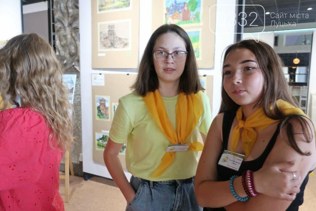 У Луцьку нагородили юних учасників конкурсу-пленеру «Луцький замок», фото-28