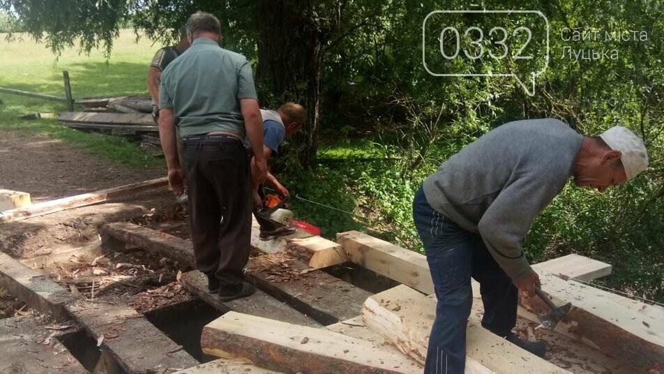У громаді на Волині місцеві жителі власноруч відремонтували поромні переправи, фото-1