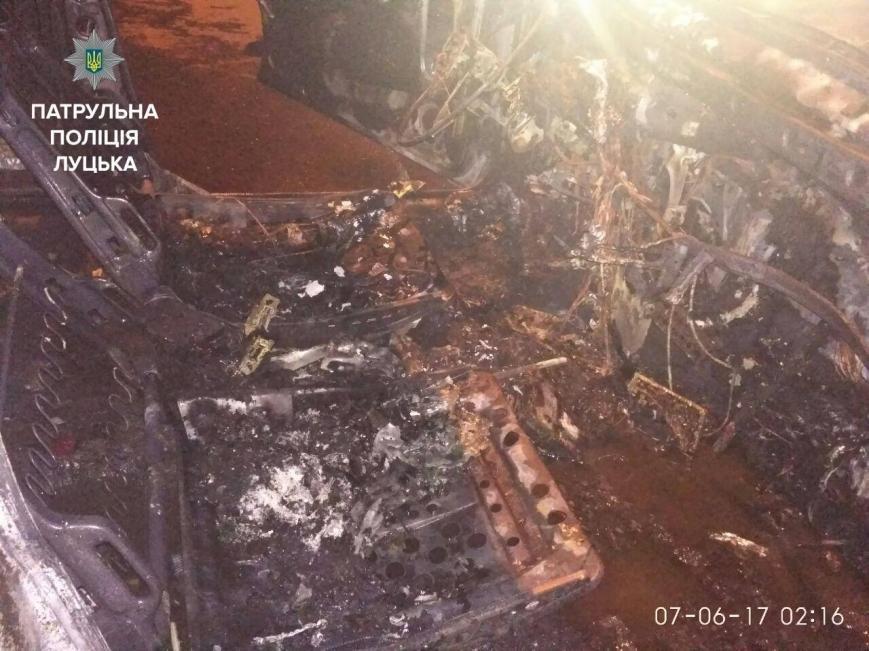 Після ДТП у Луцьку згорів автомобіль (ФОТО), фото-3