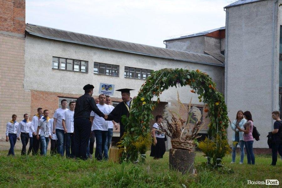 Ще вчора - школярі, а сьогодні -  вже студенти (ФОТО), фото-6