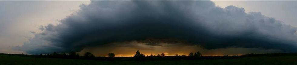 Луцький фотограф поділився світлинами грозового неба (ФОТО), фото-1