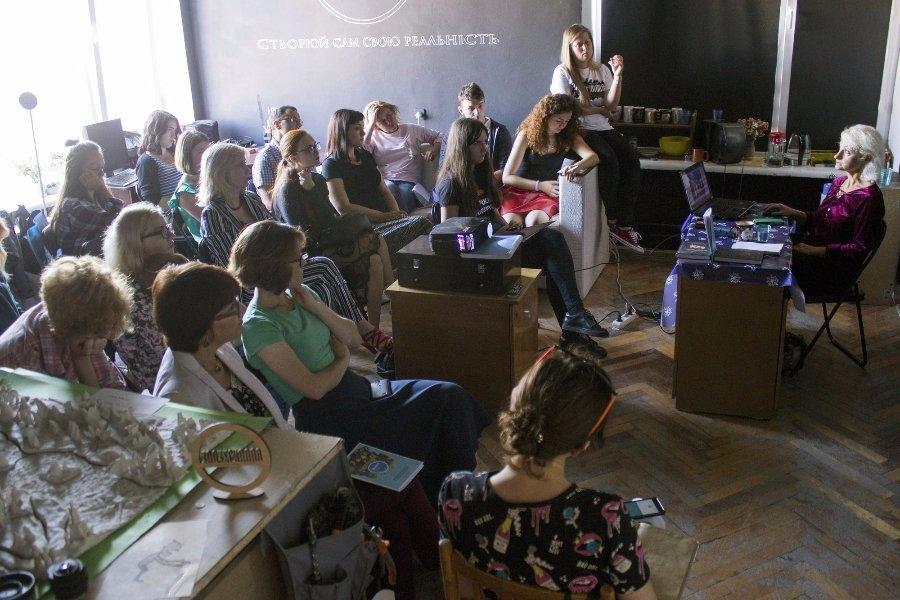 У Луцьку відбулась зустріч з відомим українським драматургом, фото-4