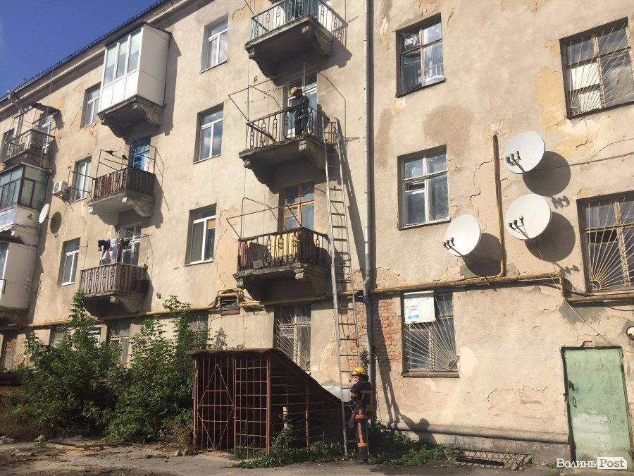 На Ковельській палав балкон, фото-5