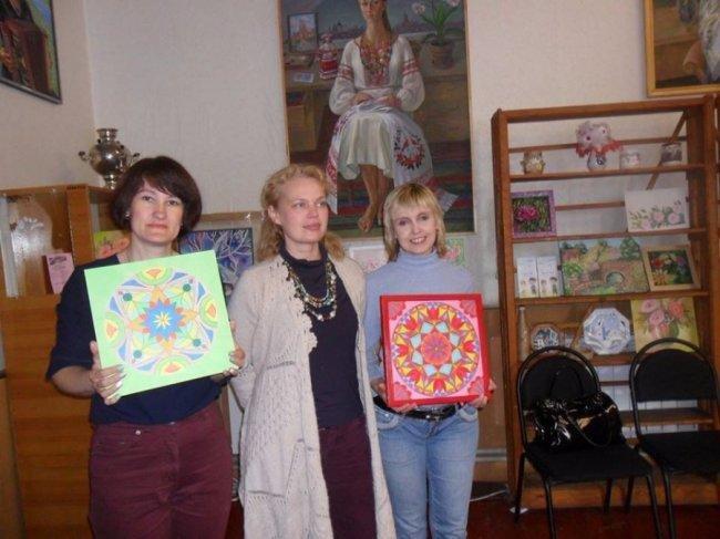 У Луцьку художниця-економіст заснувала клуб для переселенок, фото-1