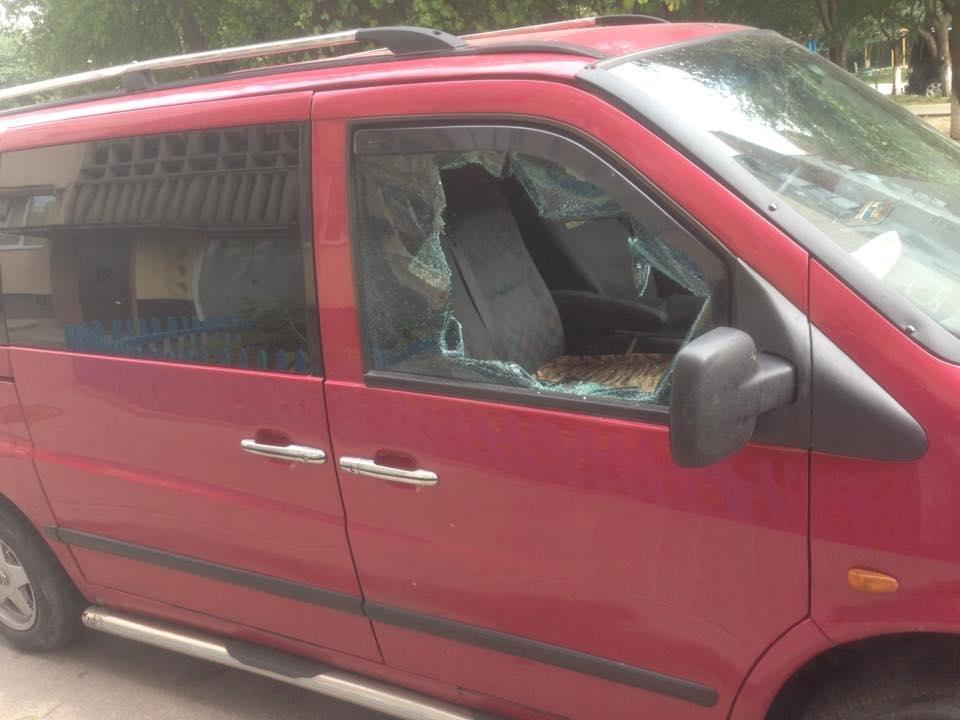 У Луцьку обікрали автівку заради відеореєстратора, фото-1