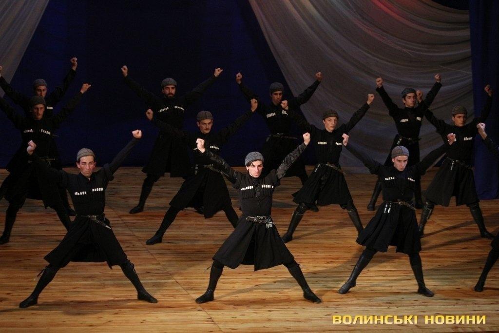 Грузинський ансамбль «запалював» луцьку публіку (ФОТО), фото-3