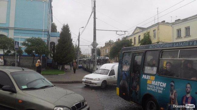 ДТП на вулиці Богдана Хмельницького: рух ускладнений, фото-3