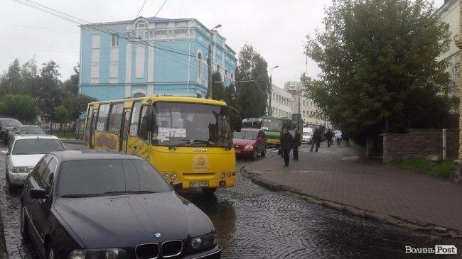 ДТП на вулиці Богдана Хмельницького: рух ускладнений, фото-5