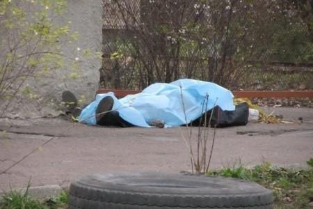 У Луцьку на Відродженні перехожі виявили труп, фото-1