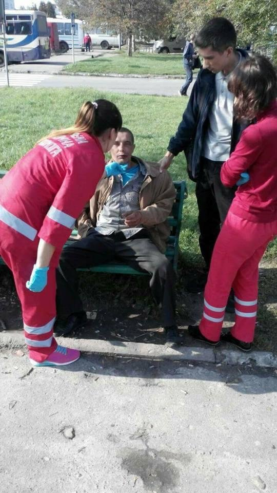Луцькі муніципали привели до тями п'яного чоловіка, фото-1
