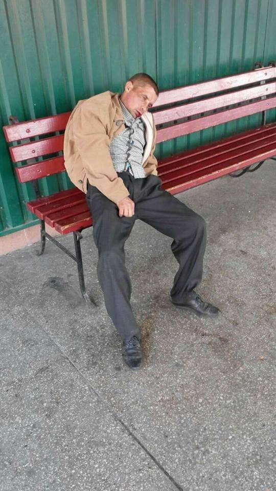 Луцькі муніципали привели до тями п'яного чоловіка, фото-2