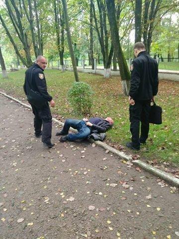 У Луцьку муніципали надали медичну допомогу п'яному чоловіку (ФОТО), фото-2