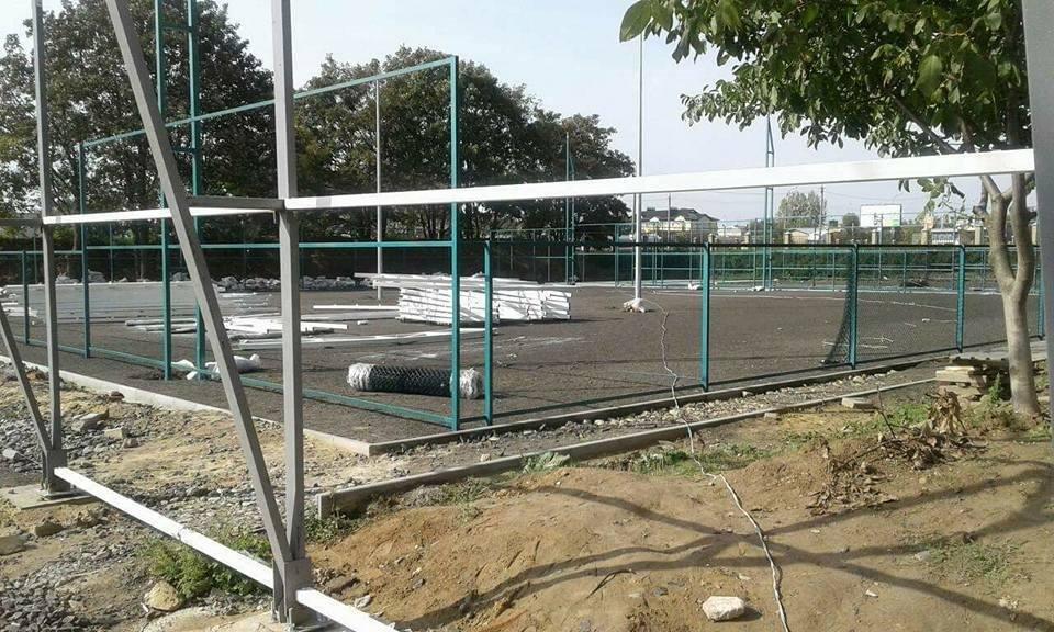 У Луцьку без дозвільних документів почали будівництво тенісних кортів, фото-1