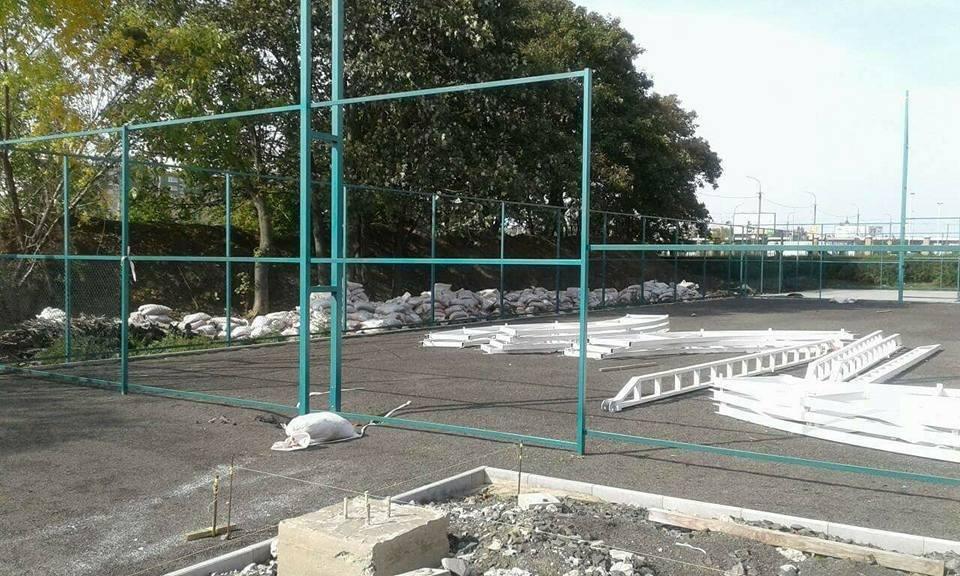 У Луцьку без дозвільних документів почали будівництво тенісних кортів, фото-2