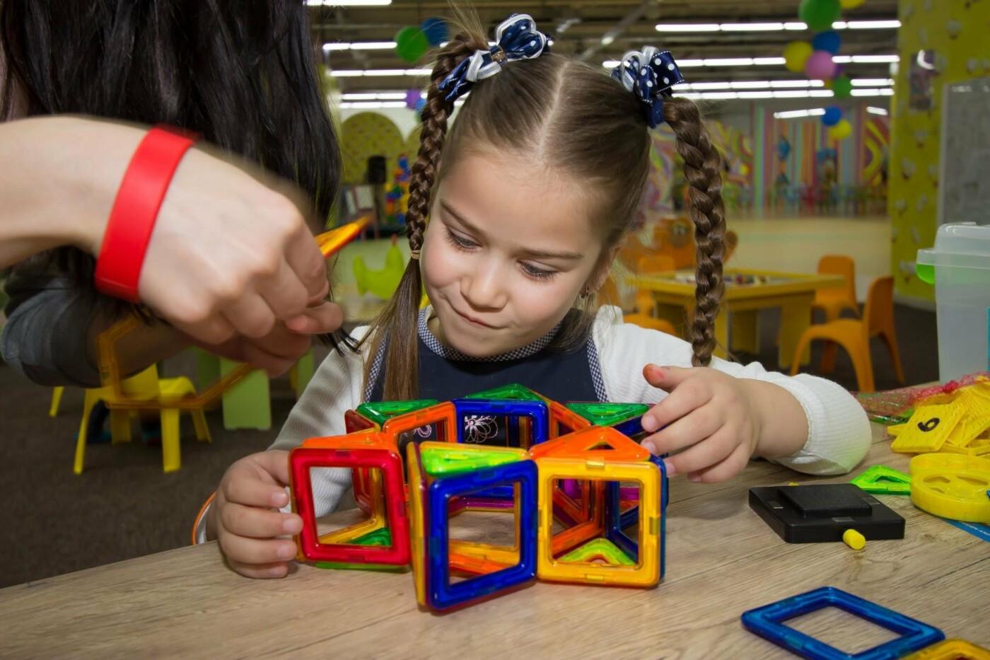 Ми допоможемо вибрати подарунок для дитини, якому вона буде дуже рада, фото-1