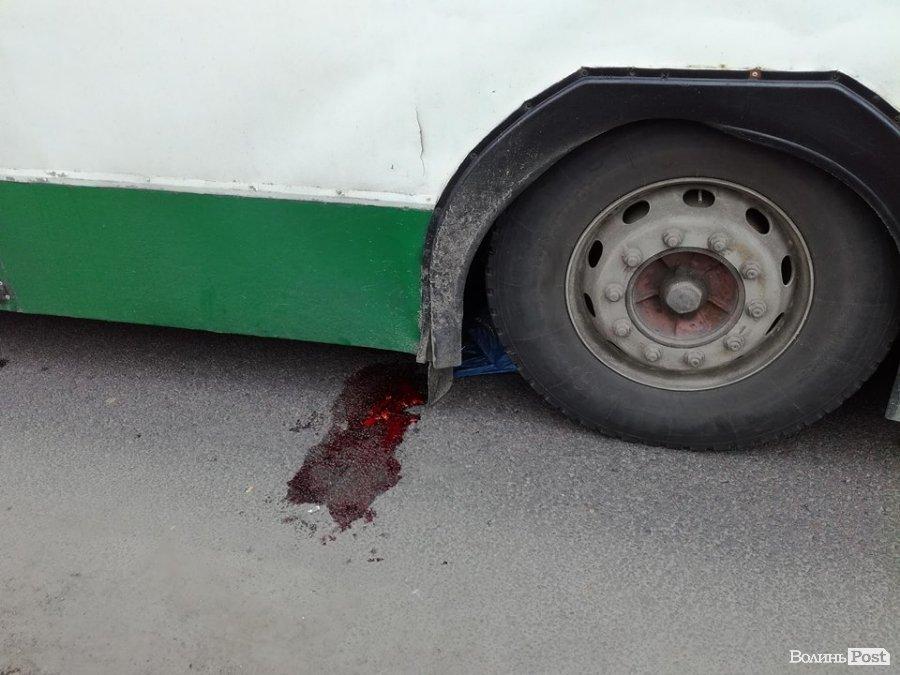 Під колесами тролейбуса: подробиці традегії  у Луцьку та стан потерпілої, фото-2