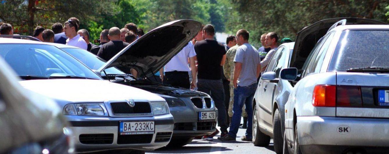 В Україні дозволили штрафувати і забирати авто на єврономерах, фото-1