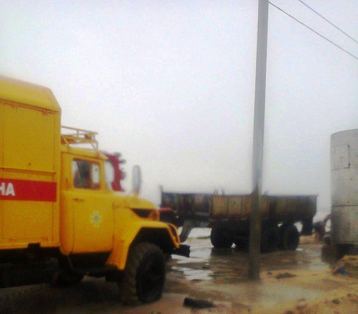 У Запорізькій області шторм відрізав відпочивальників від материка, фото-2