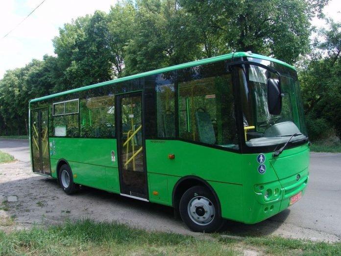 Два міських автобуси відвантажив Луцький автозавод до Нової Каховки, фото-1
