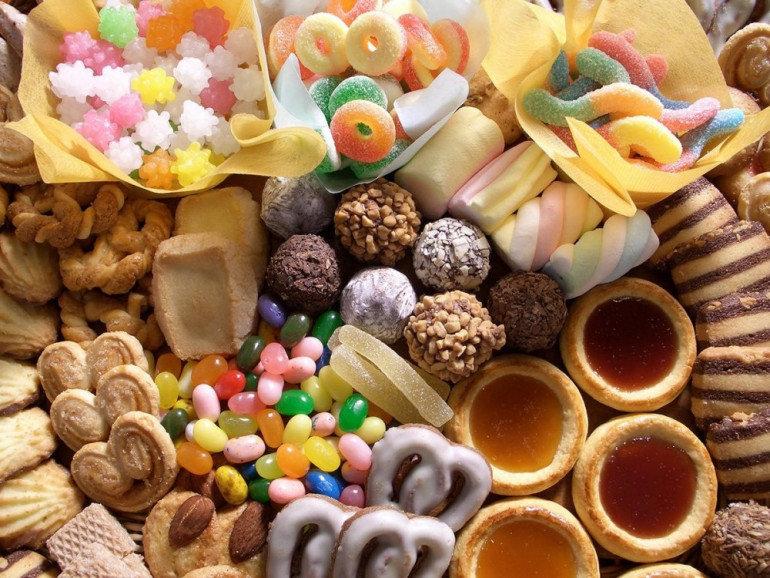 Лучанин «обчистив» магазин солодощів, фото-1