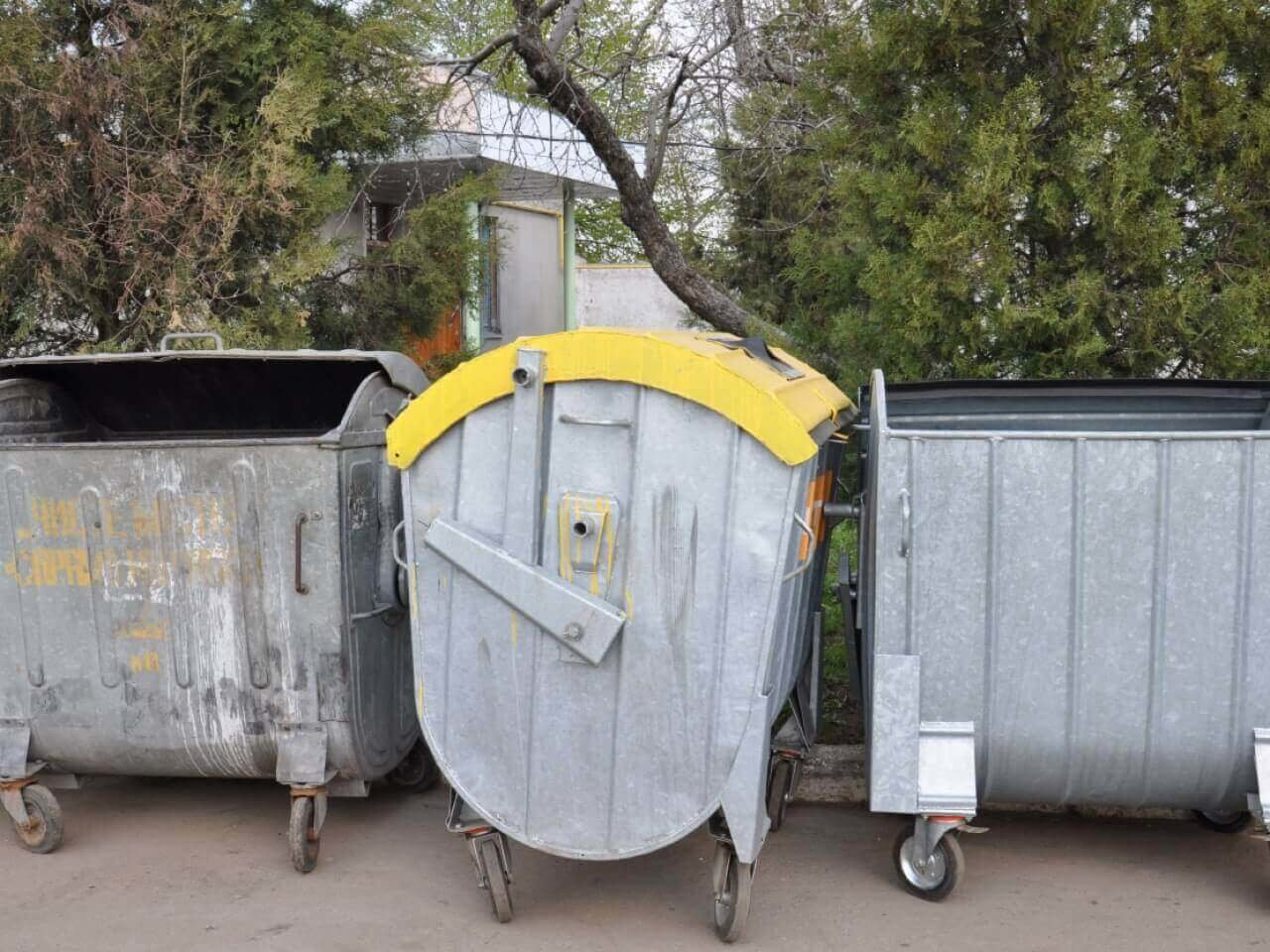 У Луцьку для збору побутових відходів закуплять 30 контейнерів, фото-1