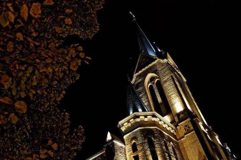 У Луцьку встановили сучасну підсвітку на лютеранську кірху , фото-1