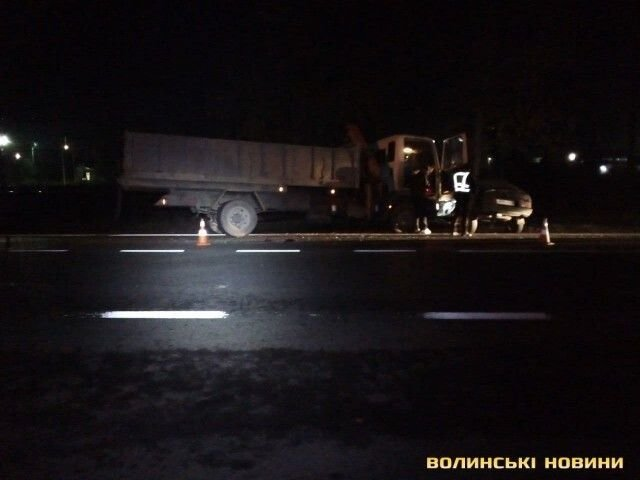 У Луцьку легковика розтрощила вантажівка , фото-1