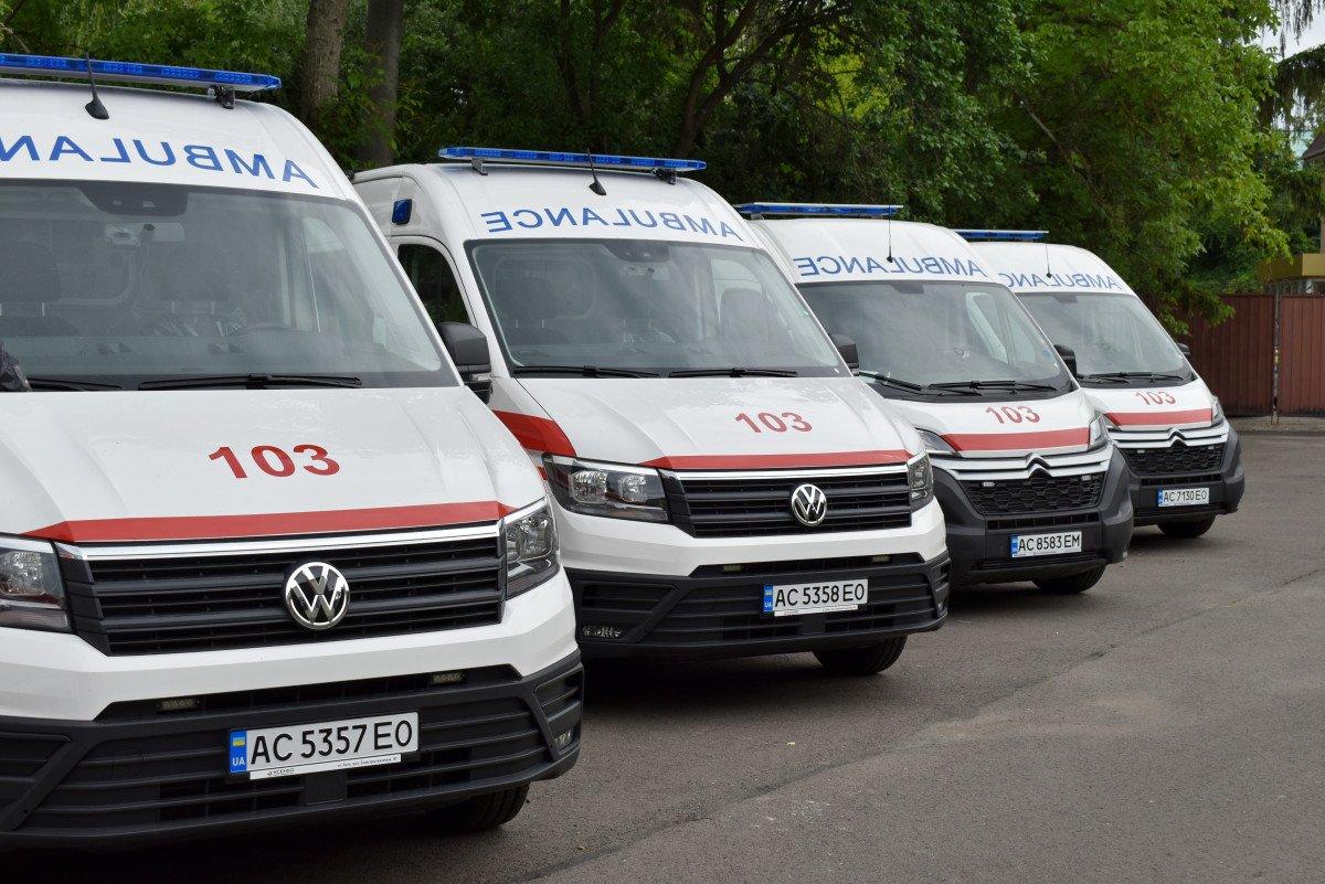 Волинські медзаклади отримали чергову партію «швидких», оснащених американським, німецьким, японським і швейцарським обладнанням, фото-2