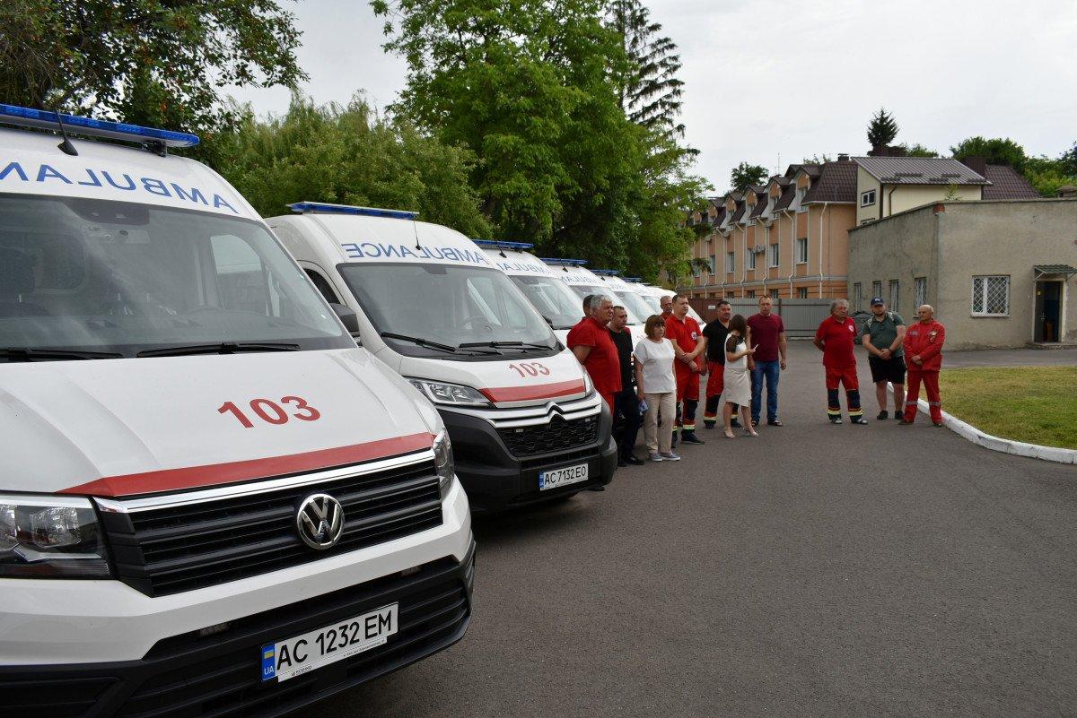 Волинські медзаклади отримали чергову партію «швидких», оснащених американським, німецьким, японським і швейцарським обладнанням, фото-6