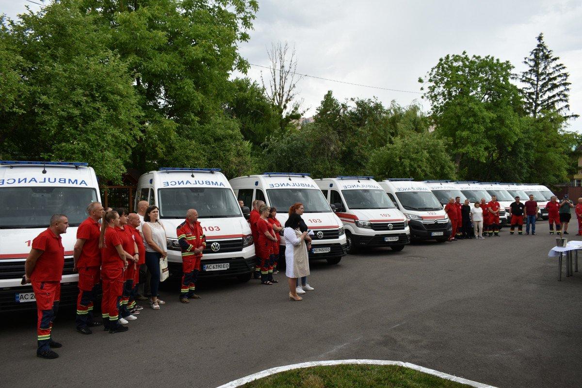 Волинські медзаклади отримали чергову партію «швидких», оснащених американським, німецьким, японським і швейцарським обладнанням, фото-8