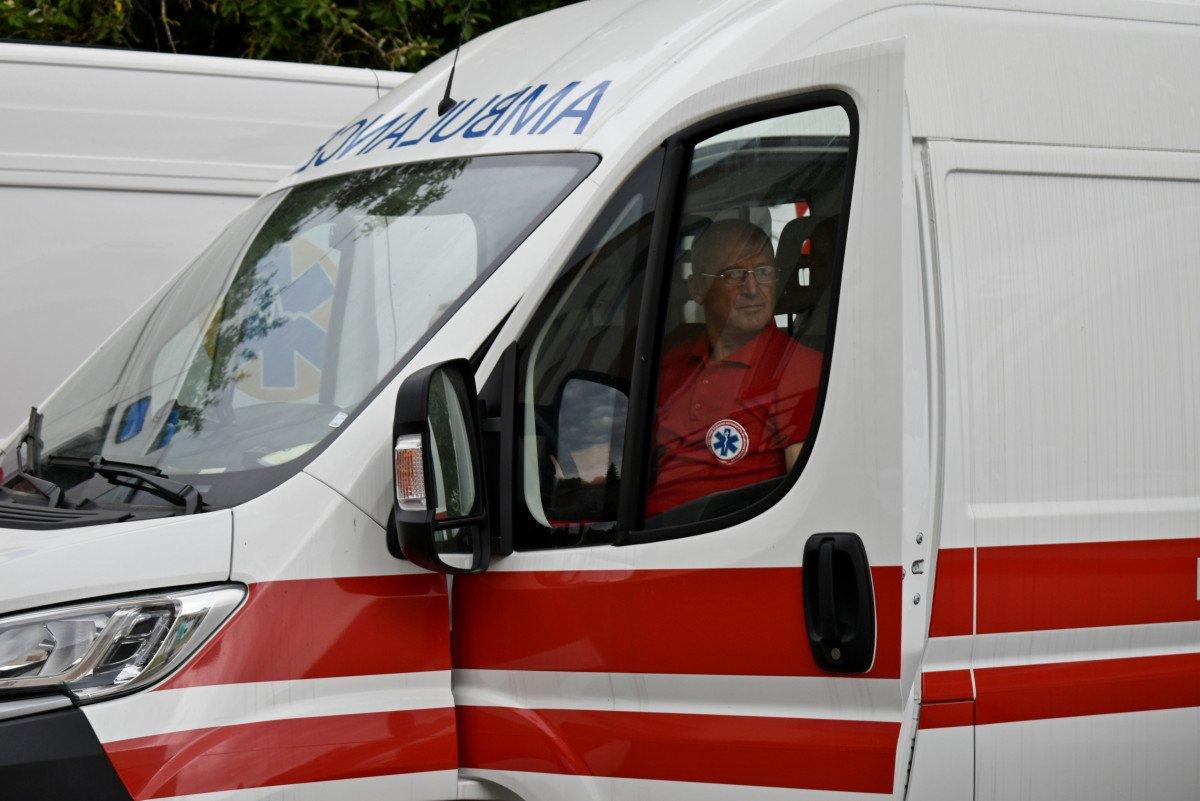 Волинські медзаклади отримали чергову партію «швидких», оснащених американським, німецьким, японським і швейцарським обладнанням, фото-18